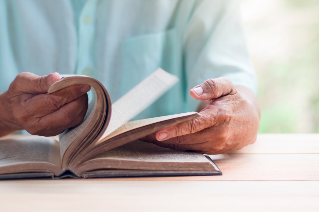 Illiterate people twice as likely to develop dementia, study says