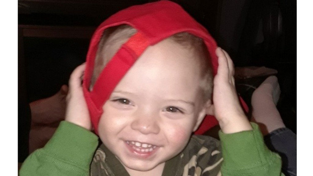 Christmas comes early for toddler with terminal cancer