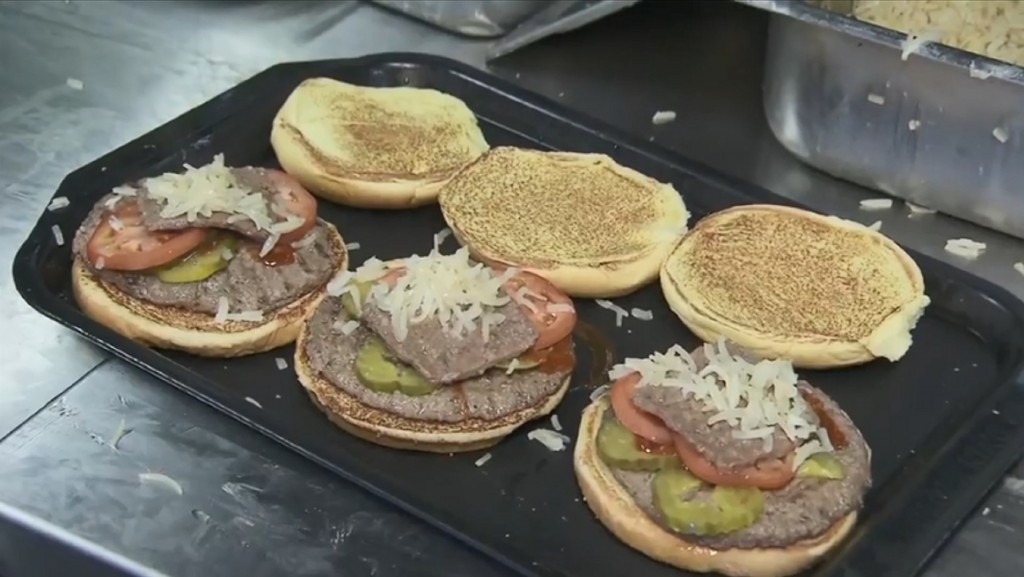 Fast food drive-thrus rated on speed