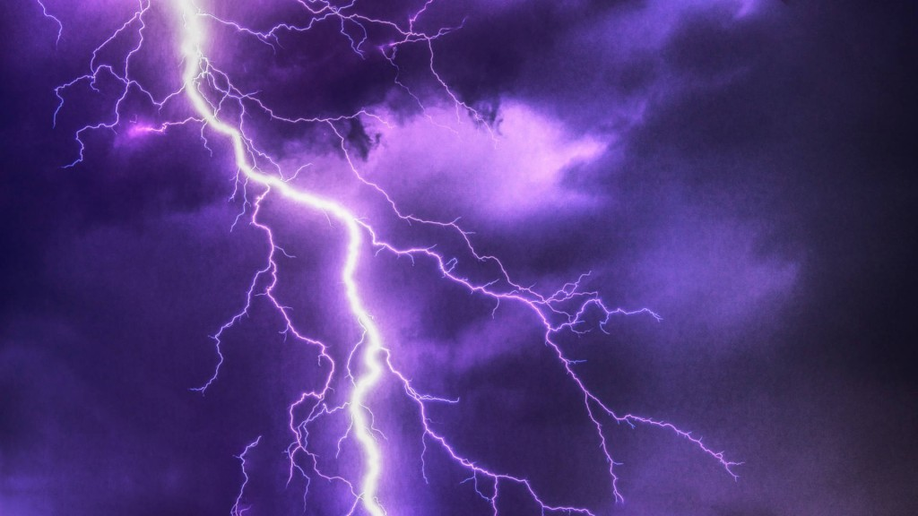 About 1,250 lightning strikes in 3 hours in Washington
