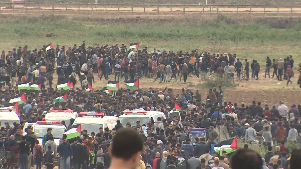 Gaza protests: 17 Palestinians killed in confrontations with Israeli forces