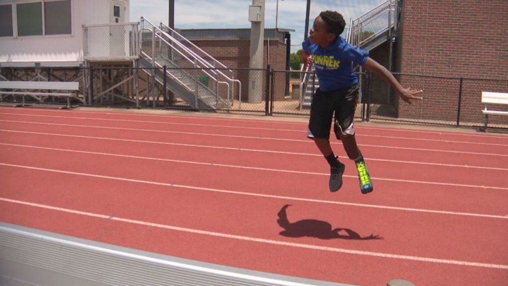 Program helps amputee kids find running shoes