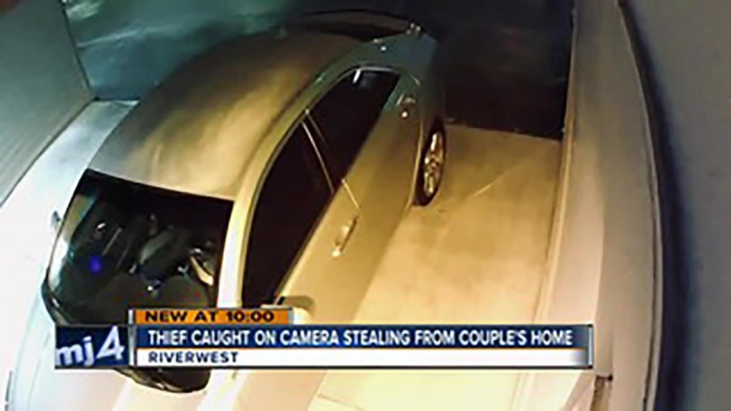 Polite burglar takes off shoes, locks up after stealing from couple