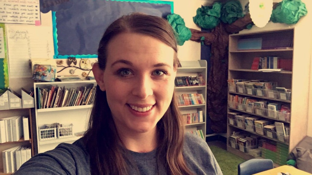 Teacher gets donation while working her 2nd job