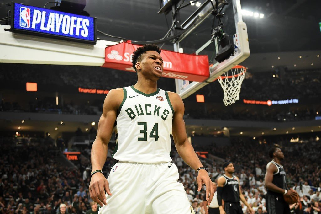 Bucks roll past Pistons 121-86 in series opener