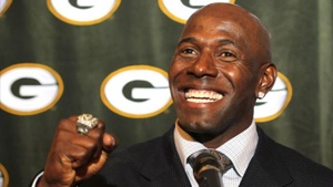 Donald Driver crashes another wedding reception