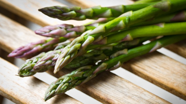 10 superfoods for spring