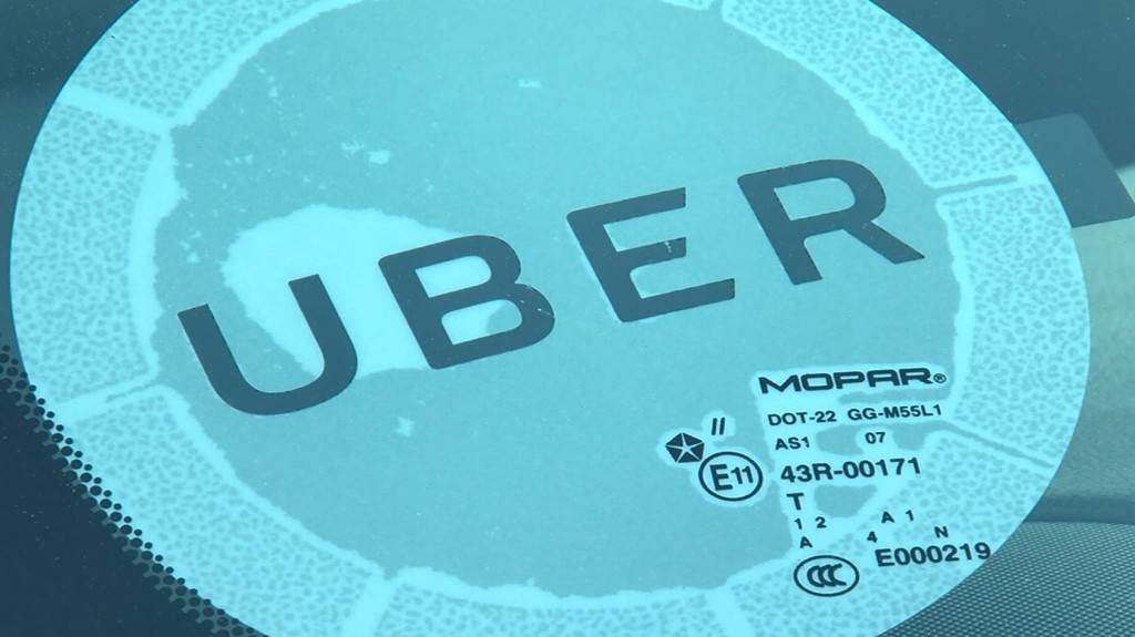 San Francisco pressures Uber, Lyft over how they pay drivers