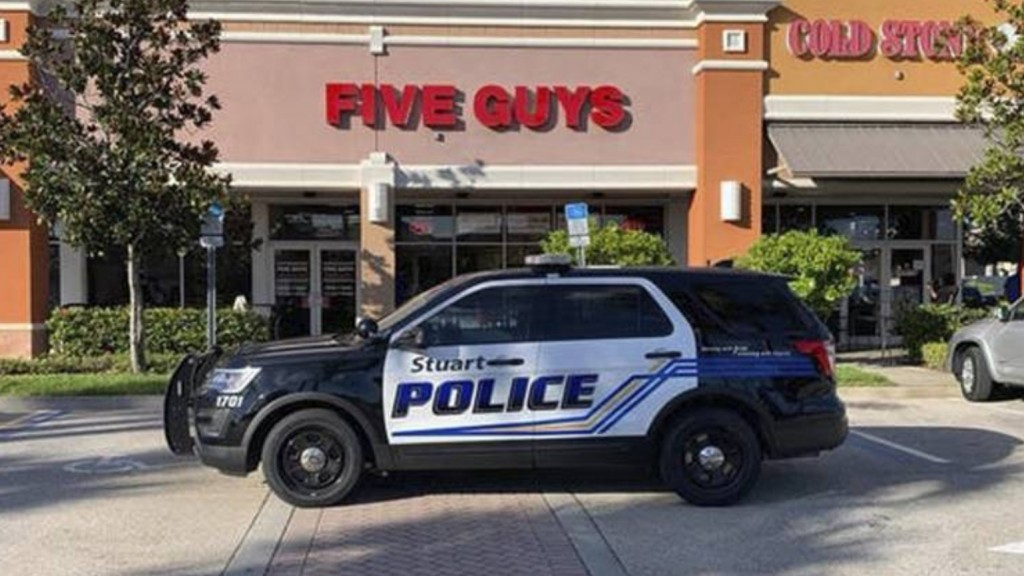 5 guys arrested at Florida Five Guys restaurant