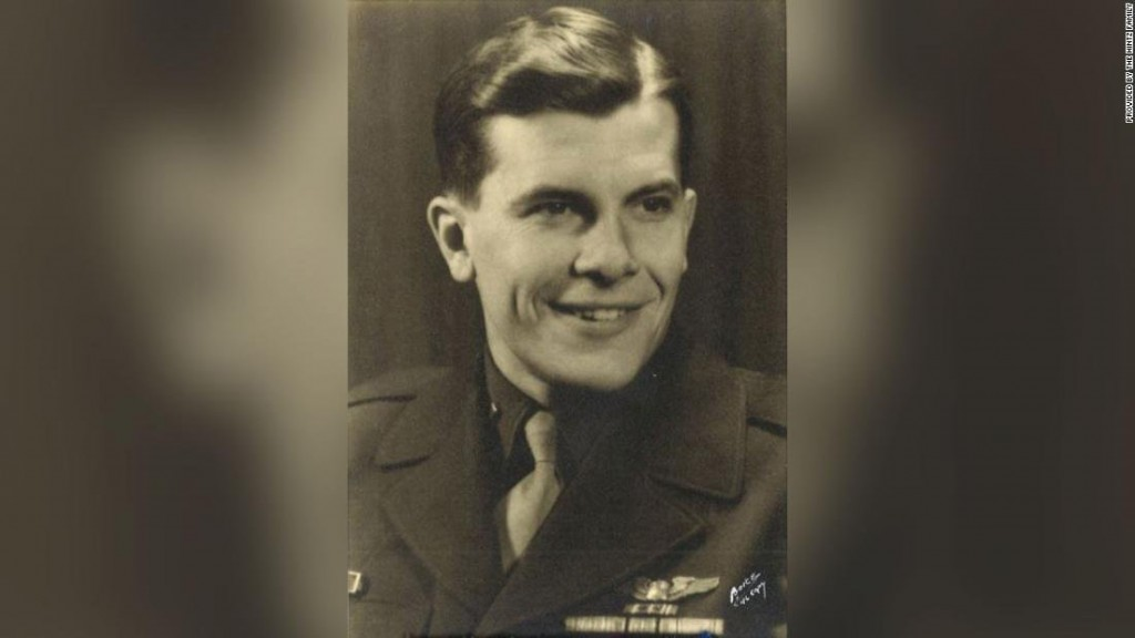 Family finally buries their father after his plane was shot down in WWII
