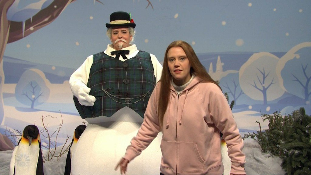 'SNL' shows how people are talking about impeachment at holiday dinner