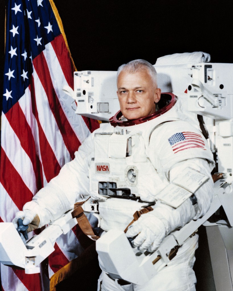 Bruce McCandless, former astronaut, dies at 80