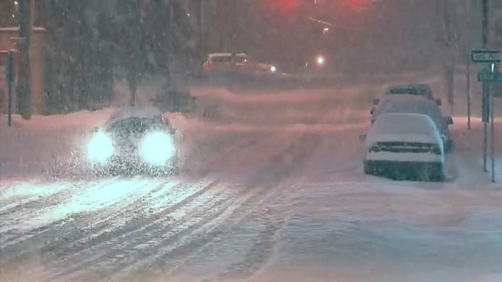 New England faces snowy commute as storm lingers