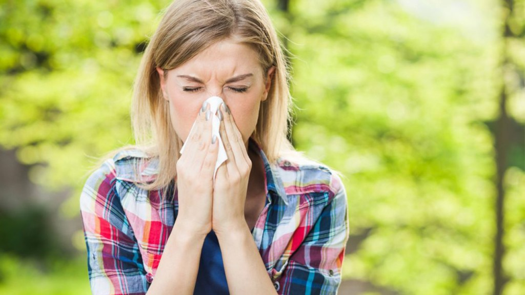 Is it a cold — or spring allergies?