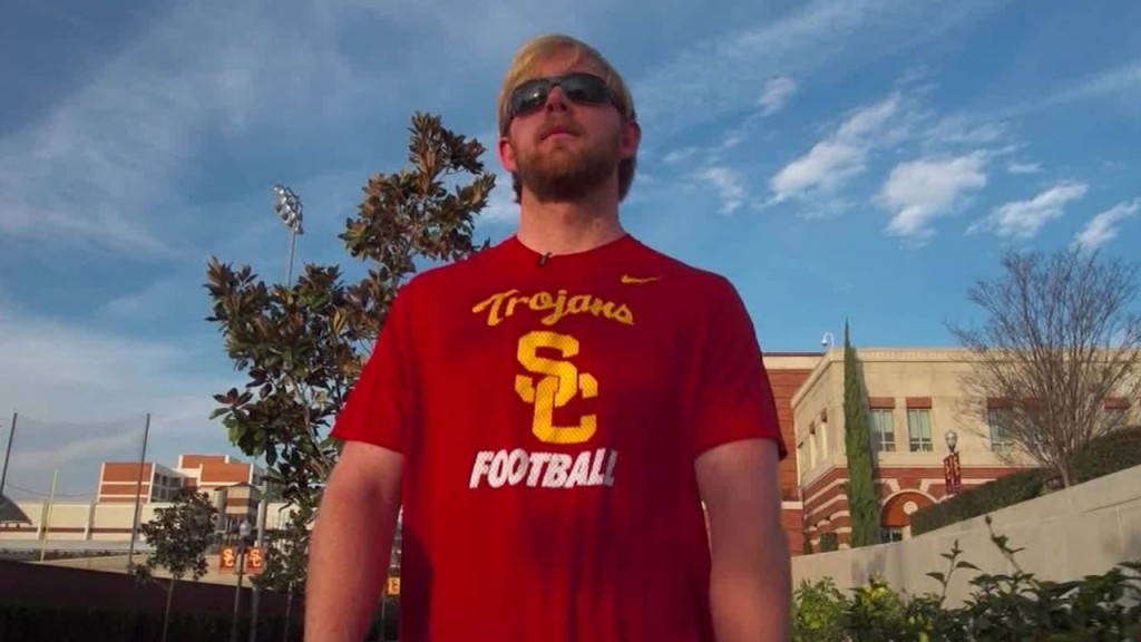 USC's blind long snapper offers lesson in not giving up