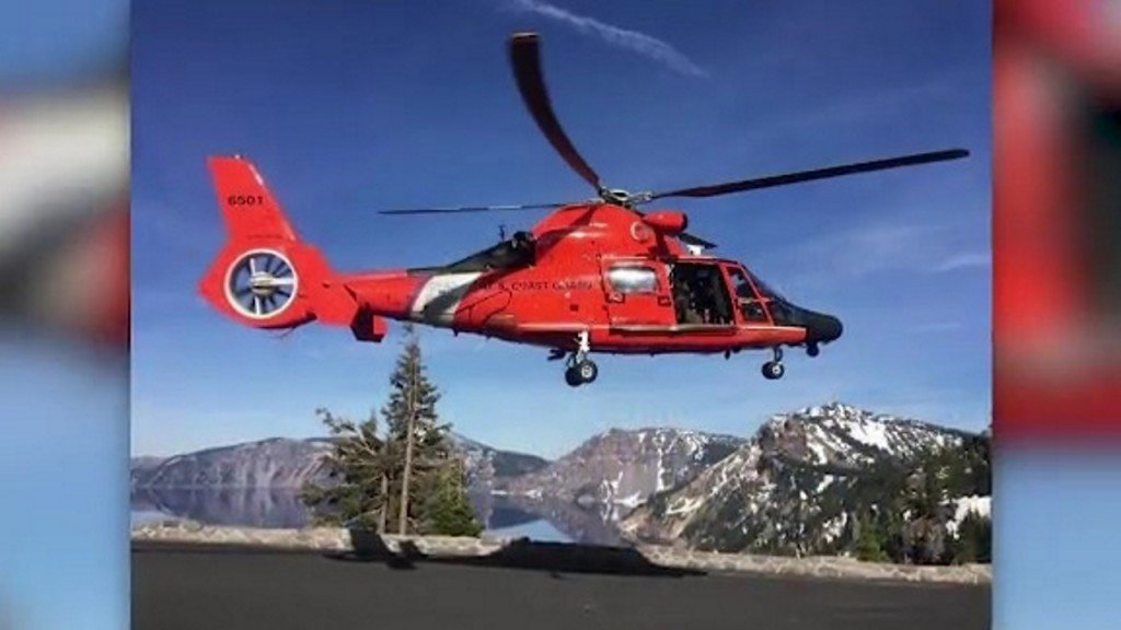 Man rescued after falling 800 feet into Crater Lake in Oregon