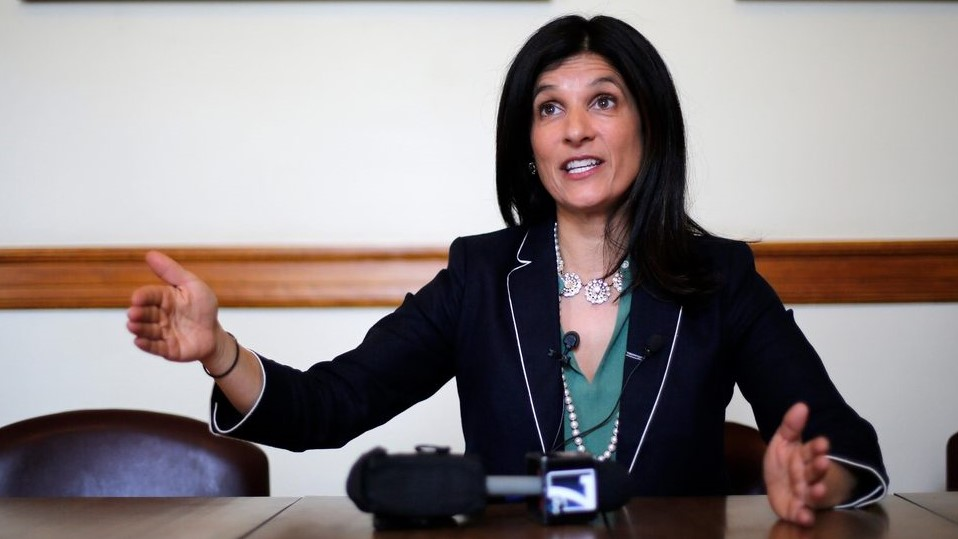 Maine Democrat Sara Gideon rides growing distrust of Susan Collins