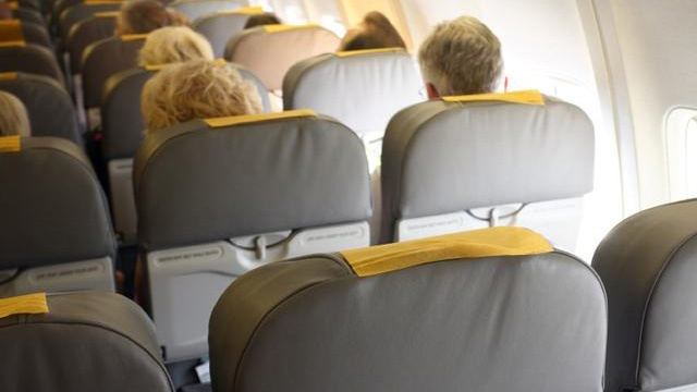 20 annoying things people do on planes