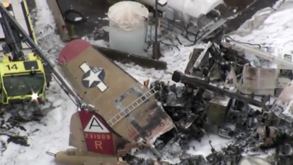 WWII vintage plane crashes in Connecticut