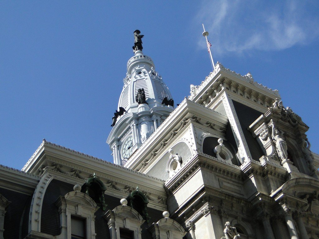Philly mayor says no Eagles jersey for William Penn statue