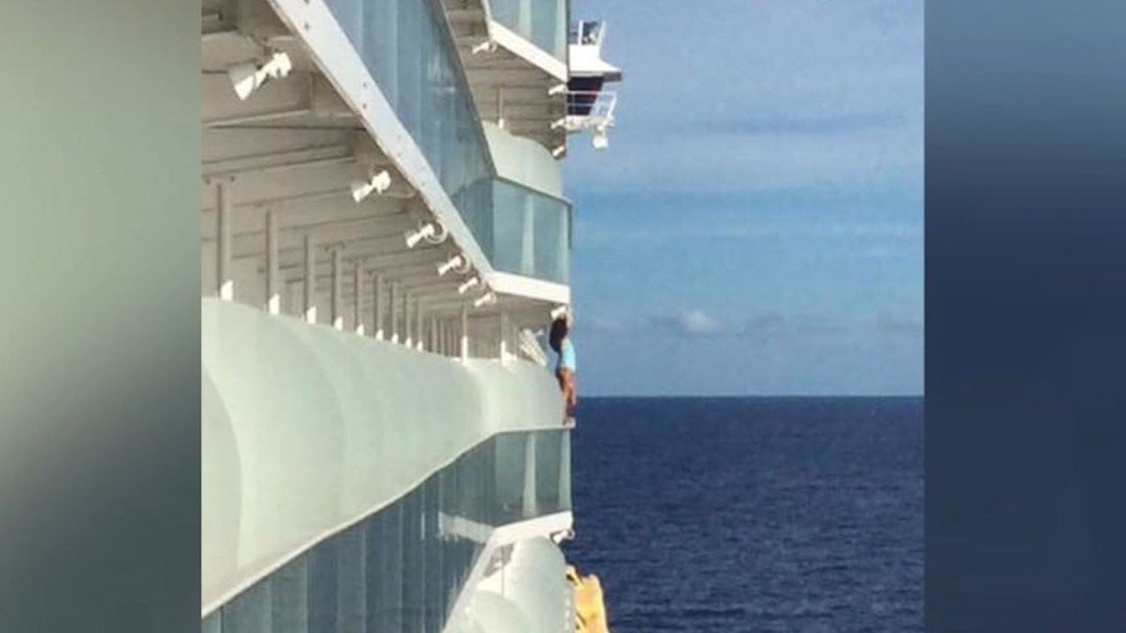Woman barred from cruise line after daring selfie