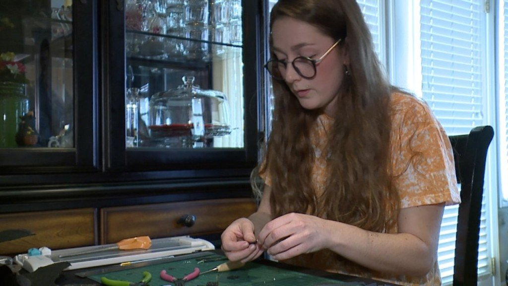 Graphic designer makes jewelry from tornado debris to help others
