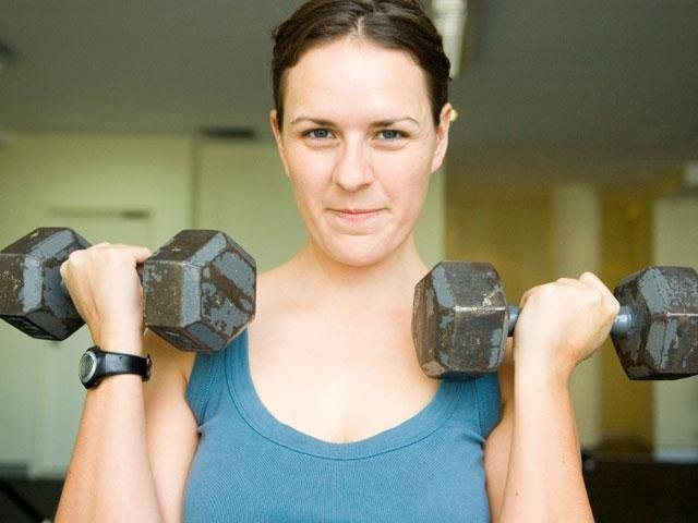 Is it better to weight lift before or after cardio workout?