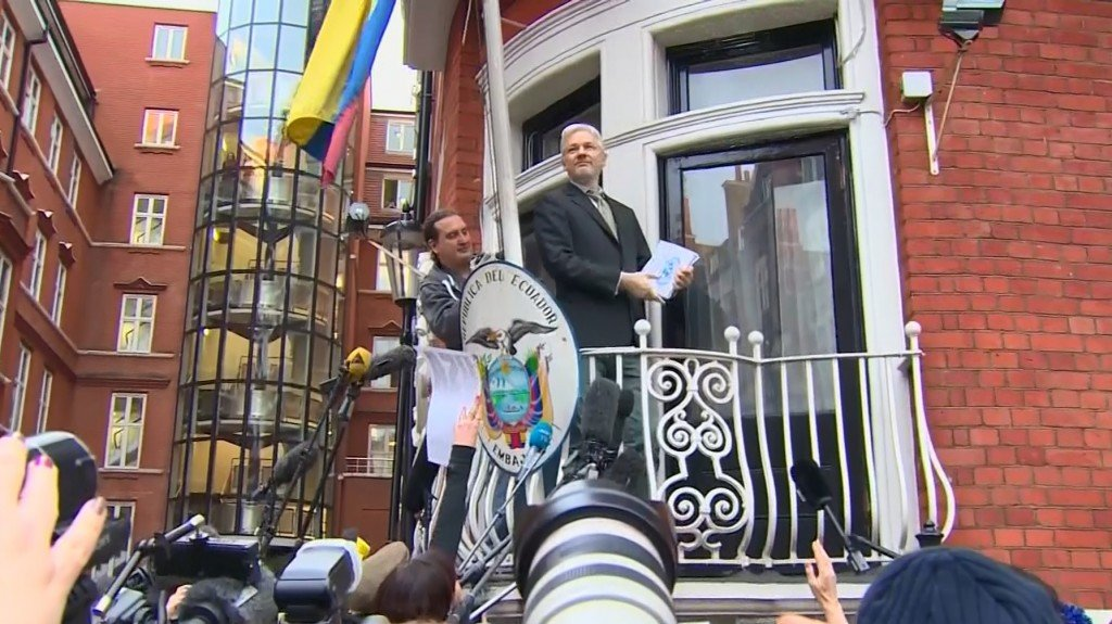 Julian Assange looks for deal to end 'diplomatic isolation'
