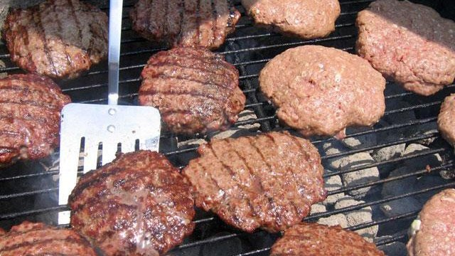 Nutritional values for 10 tailgating items
