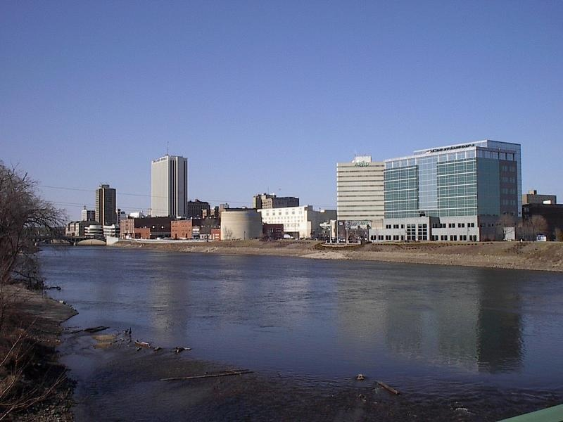 1 kayaker rescued, another still missing in Cedar Rapids