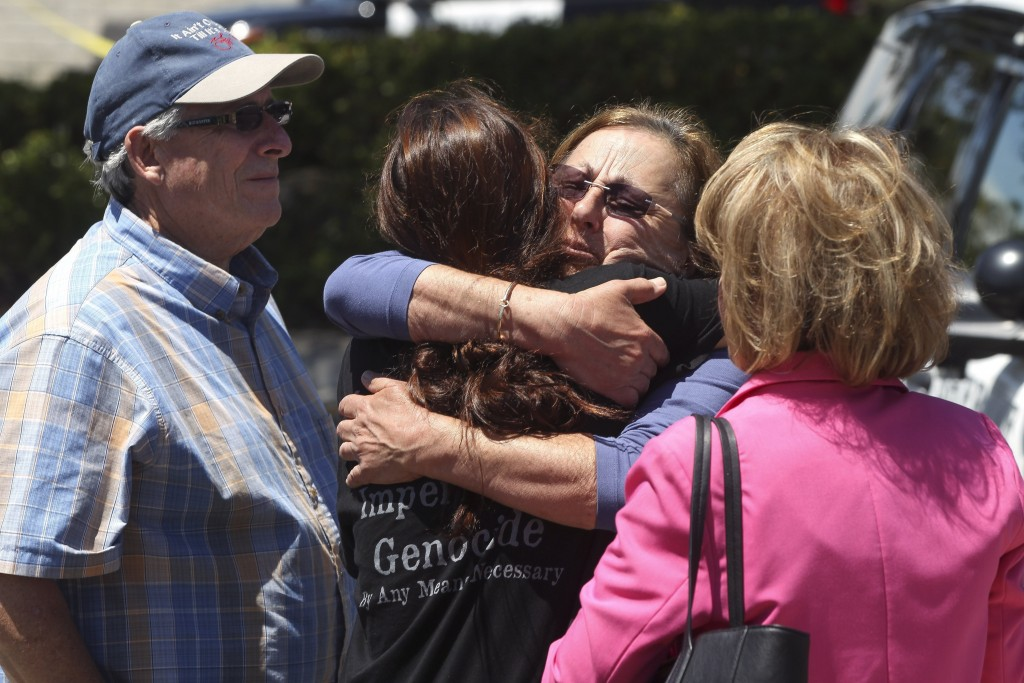 Synagogue shooting suspect had extra magazines for assult rifle