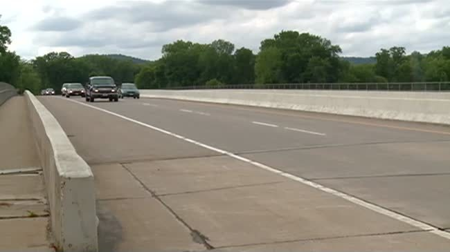 Senate leader wants to pour more tax dollars into roads
