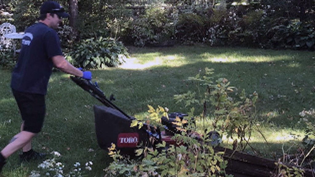 Wisconsin firefighters finish mowing man's lawn after fall