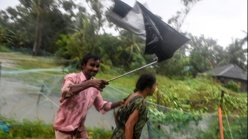 Half a million evacuated as cyclone approaches Bangladesh, India