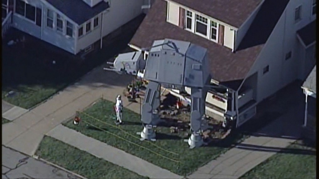 Man builds massive replica AT-AT walker in yard for Halloween