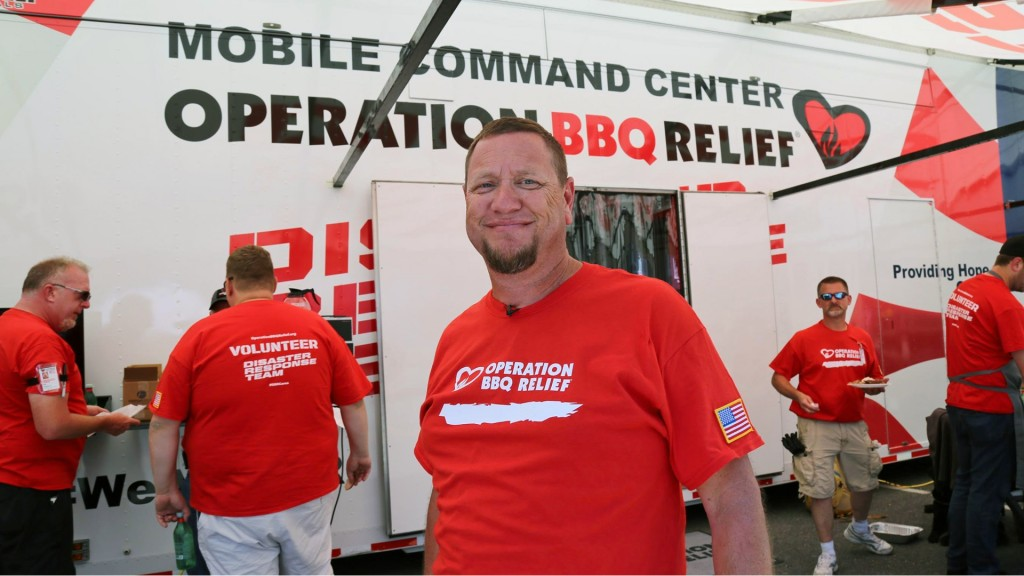 Pitmaster uses BBQ skills to honor US troops
