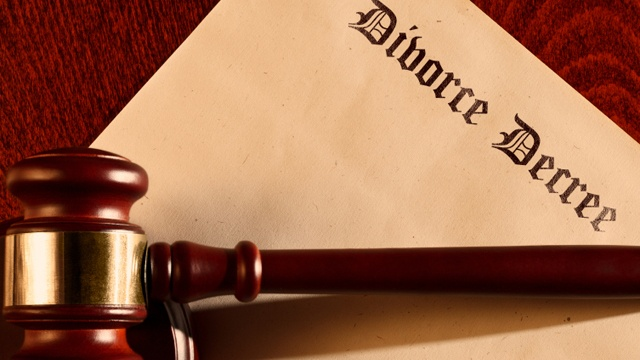 UK divorce law changing to prevent couples playing 'blame game'