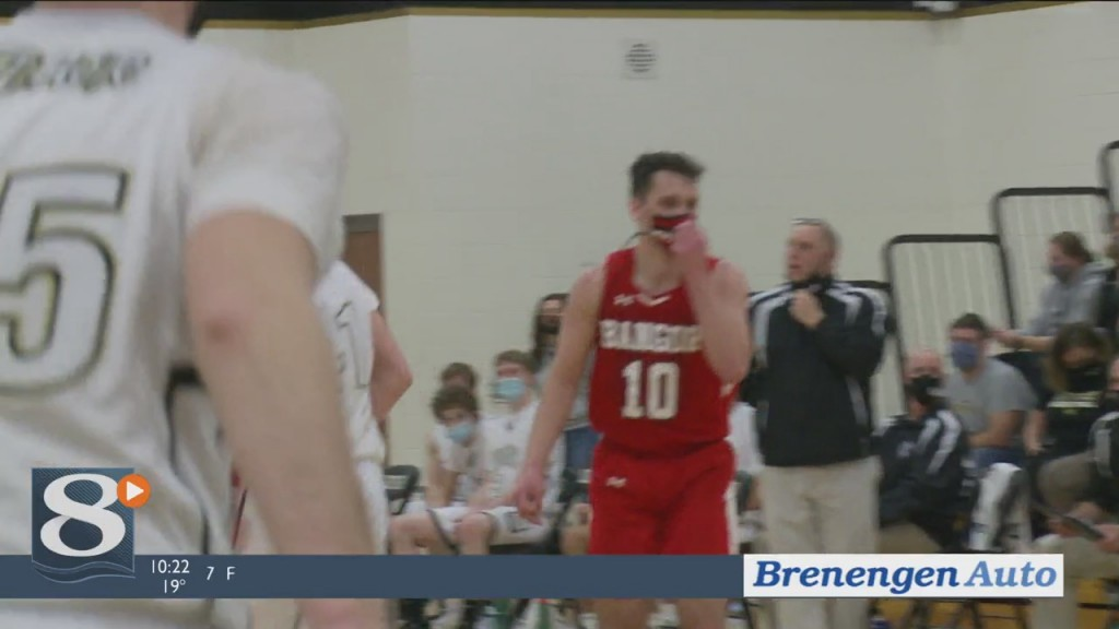 Luther Outlasts Bangor In Battle Of Conference Champs, Wins Regional Title 67 61