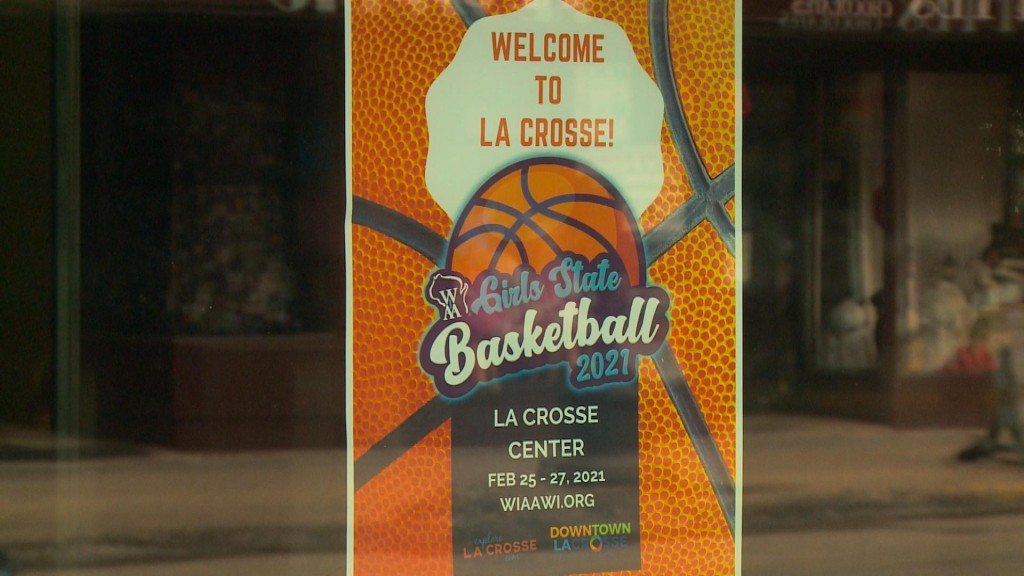 Downtown La Crosse Loves State Basketball