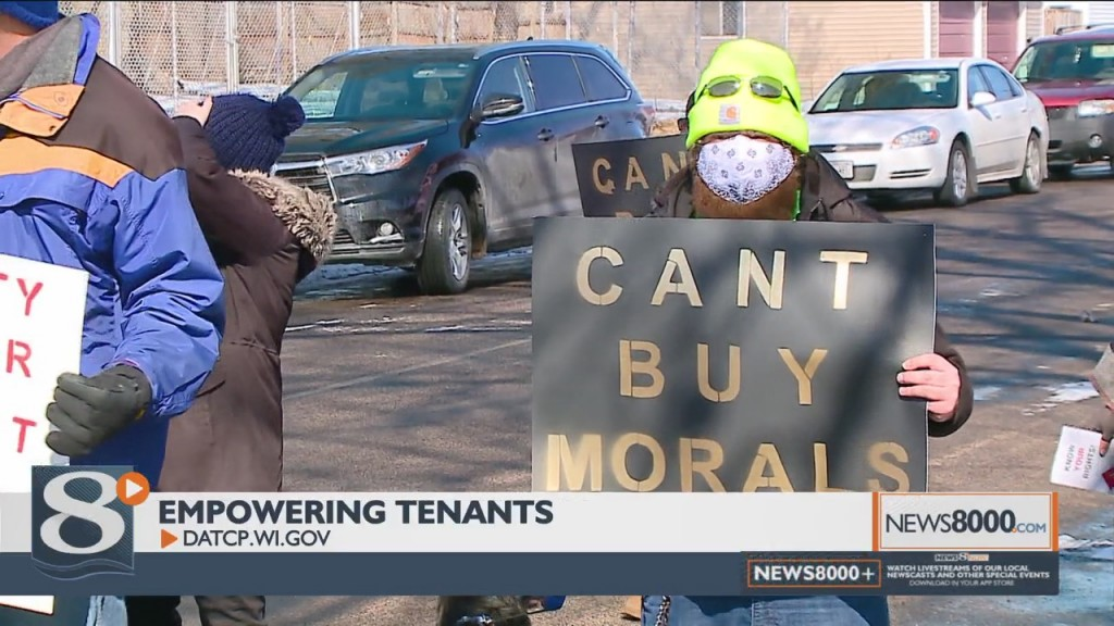 """Tenants Protest River City Rentals, Call One Incident """"immoral"""" And """"despicable"""""""