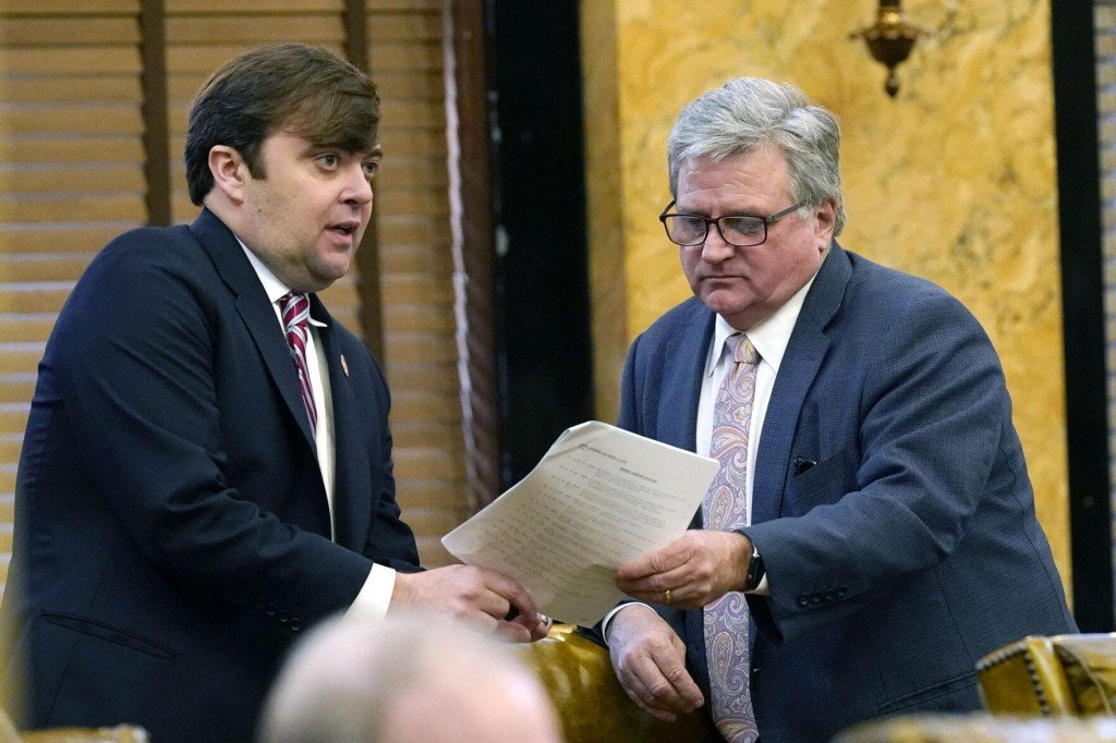 Mississippi Gov To Decide On Expanding Possibility Of Parole