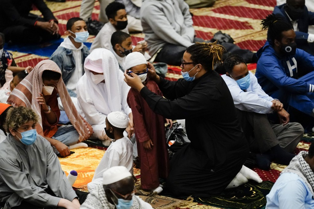 For Muslims In America, Eid Al Fitr Comes As Pandemic Eases