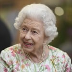 After Charming Leaders, Queen Elizabeth Sits Back For Parade