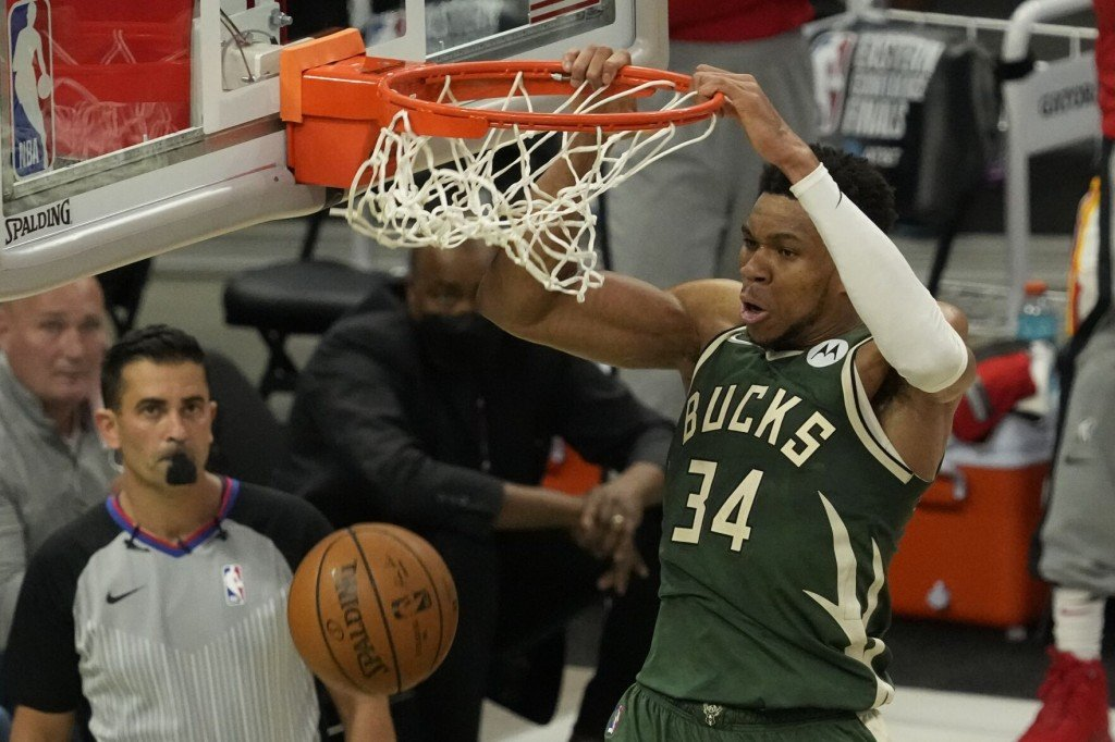 Young Scores 48 Points, Hawks Beat Bucks 116 113 In Game 1