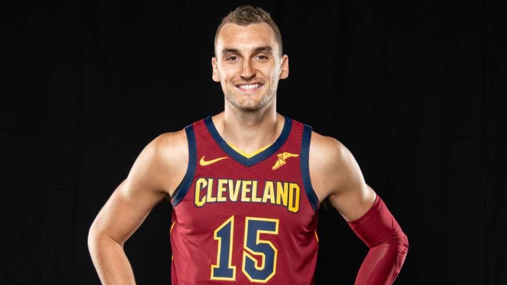 Sam Dekker Reportedly Returning To Nba After Agreeing To Contract With Toronto Raptors