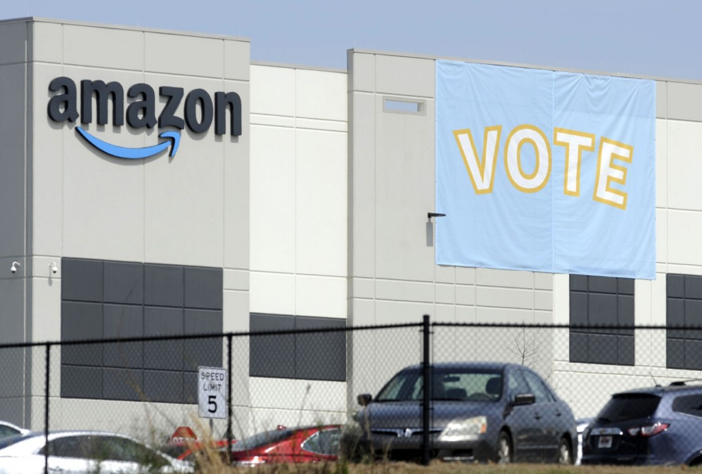 Union: Nlrb Officer Recommends New Vote For Amazon Workers