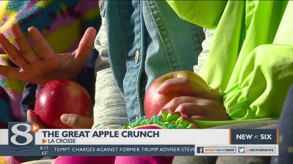 Great Apple Crunch Helps Kids Learn About Local Food