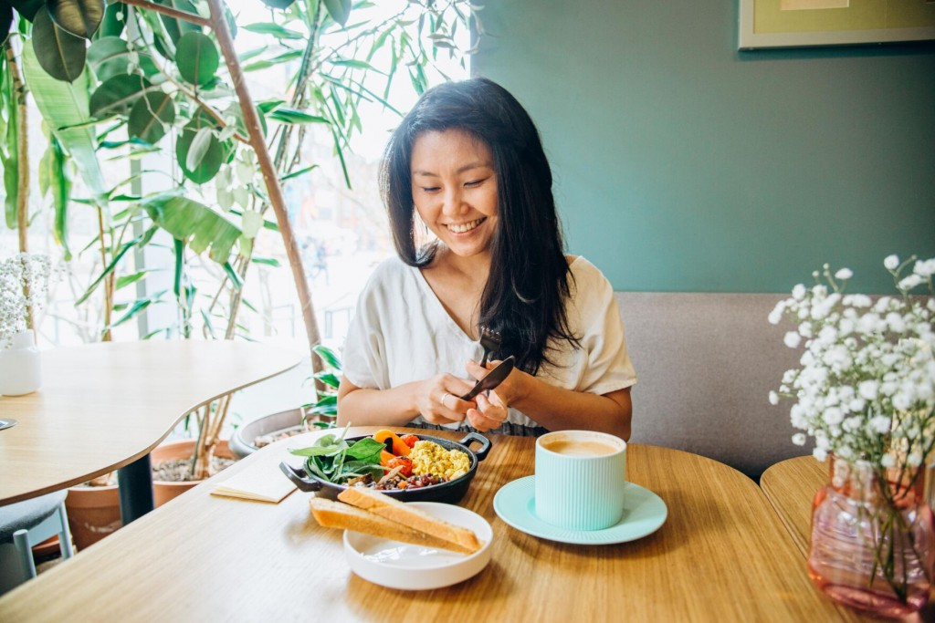 Mindful Eating Could Change Your Food Habits And Overall Life. Here's How To Start