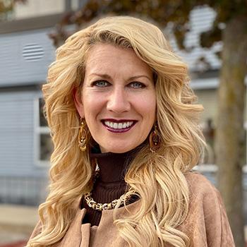 Wendy Tirollo Headshot