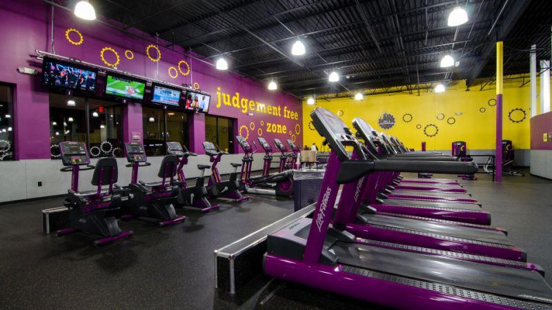 Empty Planet Fitness Gym